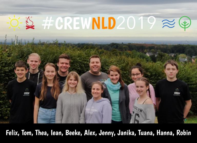 11 Jugendliche und junge Erwachsene Teamer auf einem Gruppenfoto